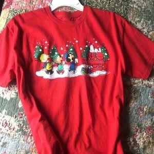 Tops - Peanuts snoopy Christmas T-shirt